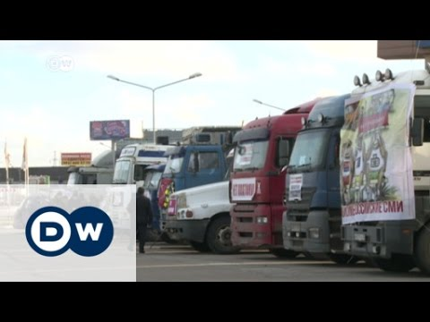 Truckers protest in Moscow | DW News