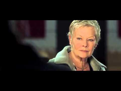 Casino Royale - Bond drops by M's apartment   James Bond 007 (Daniel Craig)