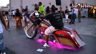 """Custom Bagger Motorcycle w/ 32"""" Wheel - 1080p HD"""