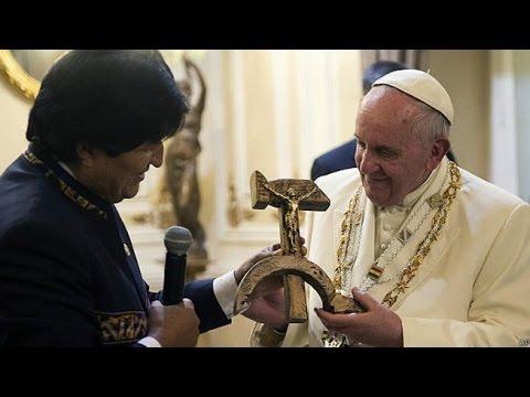 VIDEO: ¿Qué dijo el papa Francisco tras recibir el regalo de Evo Morales?