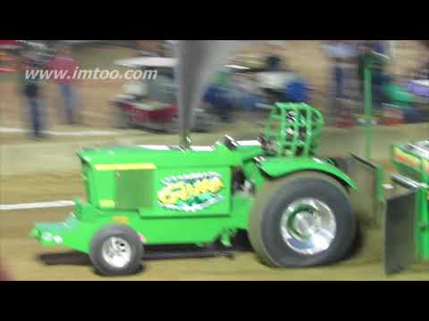 outlaws 10,000  pro stock tractor class at highland county fair 2017
