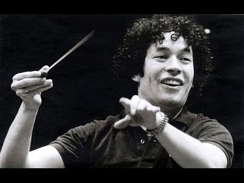Dudamel conducts Beethoven Overtures