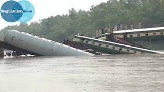 Train derailed on Pakistan