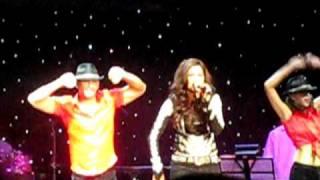 Shreya Ghosal - Ye Ishq Haey (live) Ricoh Coliseum Toronto, ON