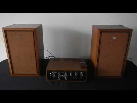 Sansui AU-555 amplifier& Akai SW-120A Speakers
