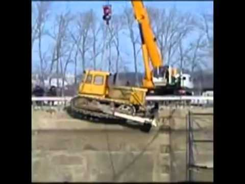 Unqualified Crane Operators Don't Know How To Operate Cranes Video