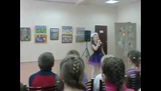 девочка класно поёт