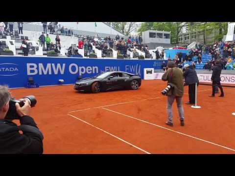 Alex Zverev wins BMW i8 at BMW Open 2017