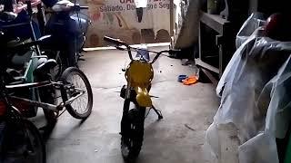 Mostrado minha um ni moto