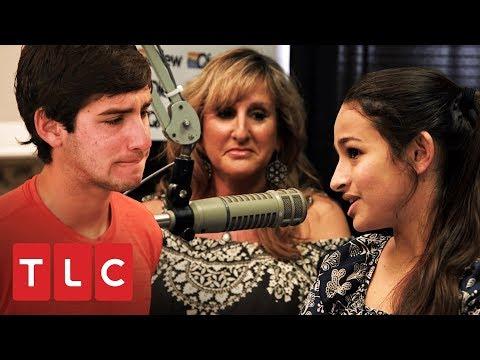 Jazz se enfrenta a un detractor en una entrevista de radio   Soy Jazz   TLC Latinoamérica