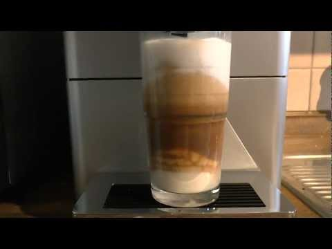 Jura ENA Micro 9 One Touch macht Latte Macchiato