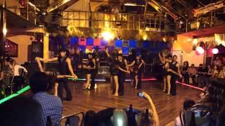 Kn - Kche Dance Co. Mi Cama Huele A Ti