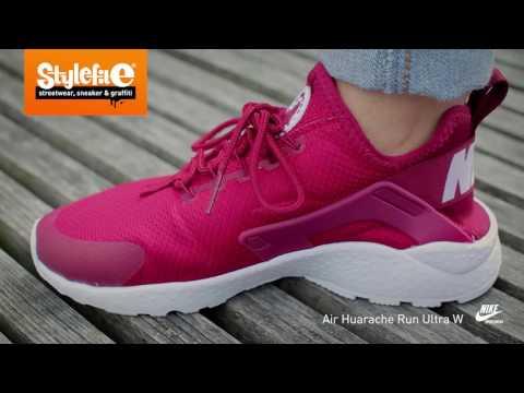 Nike Air Huarache Run Ultra Women Sneaker maroon white (On-Feet) @Stylefile
