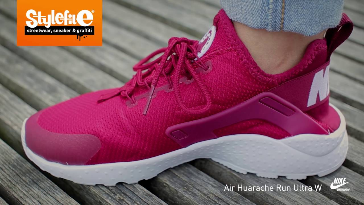 Nike Air Huarache Run Ultra Women Sneaker maroon white (On-Feet) @Stylefile  - YouTube