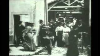 Video 1895, Lumiere, Workers Leaving the Lumiere Factory (1895) download MP3, 3GP, MP4, WEBM, AVI, FLV Desember 2017