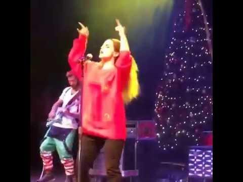 Jojo Christmas Sweater.Jojo Performance Live Instavids At Ugly Christmas Sweater Party