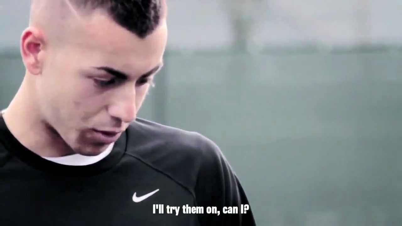 Displaying 17 gt  Images For - El Shaarawy Haircut Name   El Shaarawy Haircut Name