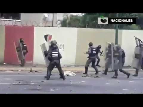 Así actúa la Guardia Nacional Bolivariana disparando a quemaropa en Altamira