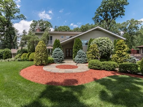 Real Estate Video Tour | 75 Lakeshore Drive, Eastchester, NY 10709 | Westchester County, NY