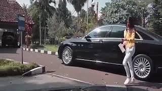 Ghea Youbi-Gak Ada Waktu Beib (Official Music Video)