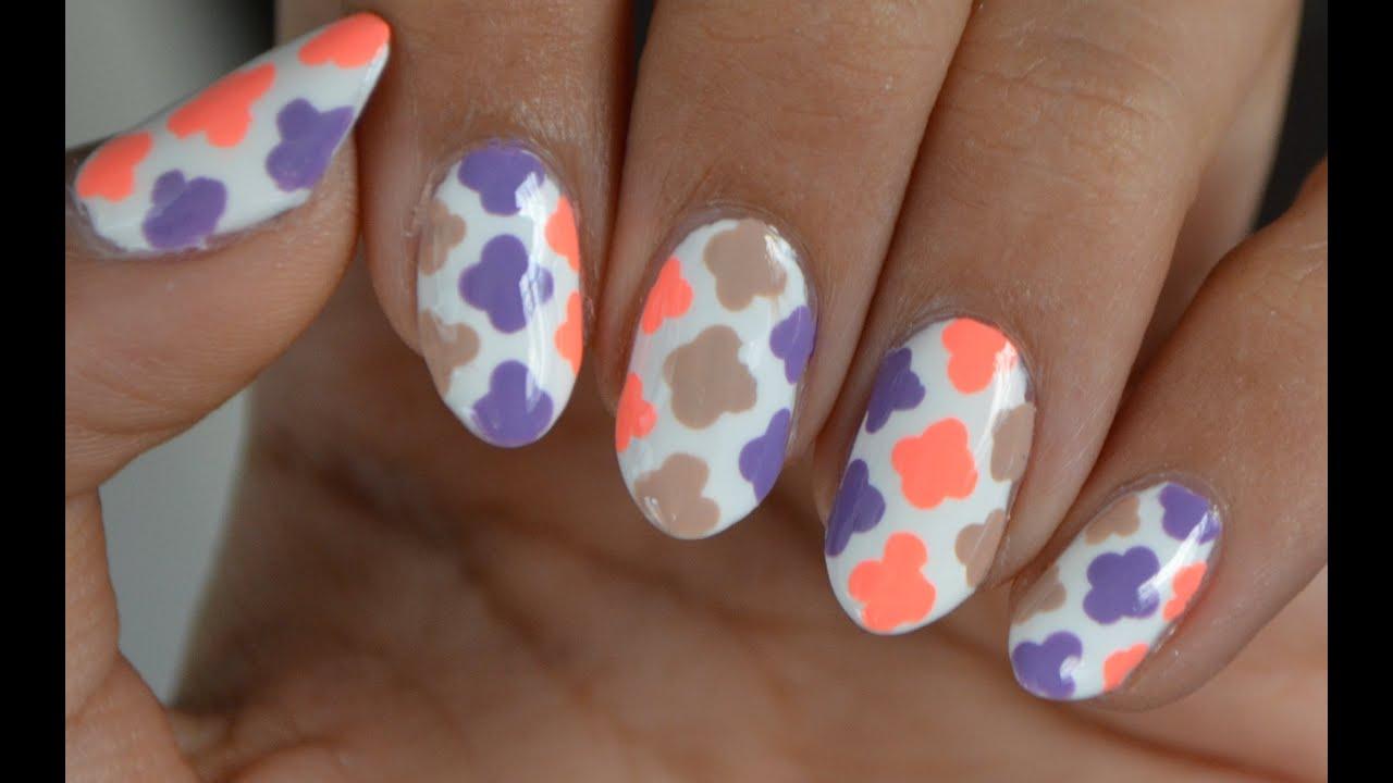Easy quatrefoil nail art only dotting tool required youtube prinsesfo Gallery