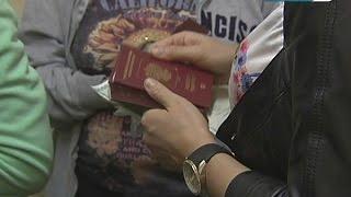 Чиновники упростили оформление загранпаспорта(Теперь вовсе не обязательно терять по несколько часов жизни в коридорах миграционной службы. Записаться..., 2014-10-28T17:12:59.000Z)