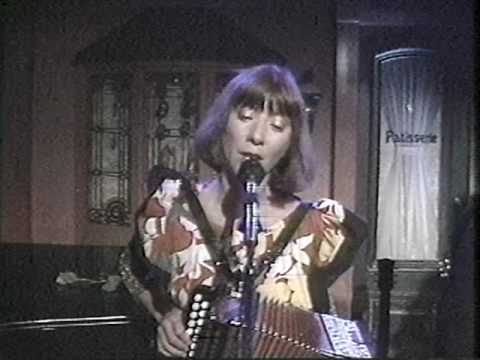 Kate and Anna McGarrigle: Tu vas m'accompagner (1984)