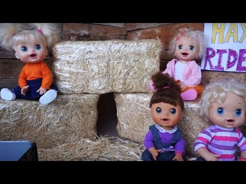 BABY ALIVE Goes On An AMAZING Hay Ride!