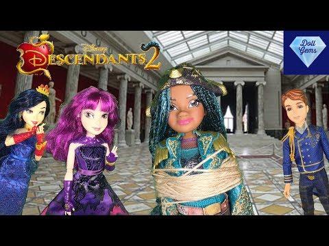 Uma Gets Captured!! Ben Is Missing! Mal saves Uma!? / Carlos Evil Disney Descendants 2 Doll episode