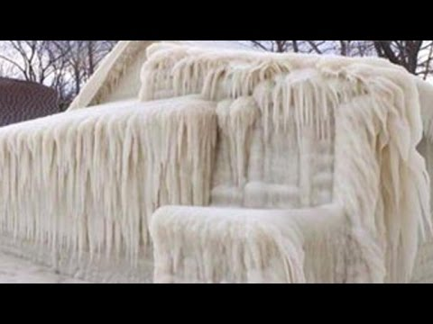 Winter storm leaves New York house completely frozen