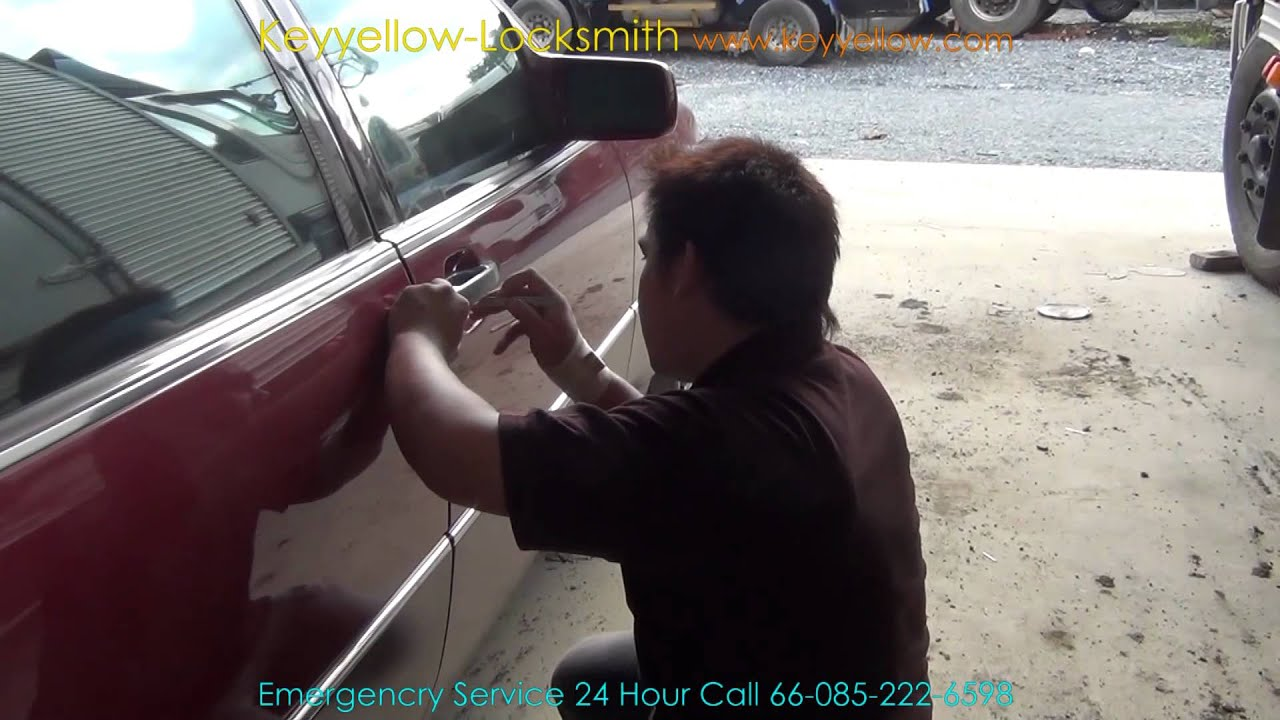 Locksmith unlock a car door mercedes benz 600 sel w140 for How to unlock mercedes benz door without key