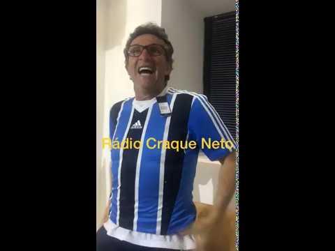 Neto comemora gol do Grêmio e debocha Palmeiras com camisa do tricolor gaúcho