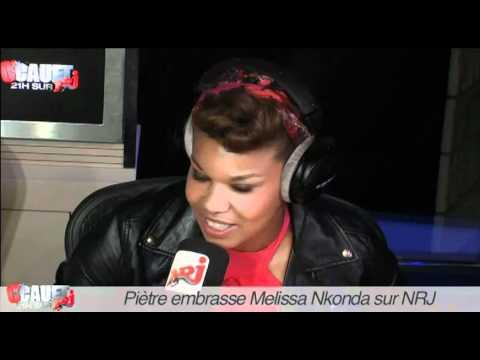 Piètre embrasse Melissa Nkonda - C'Cauet sur NRJ
