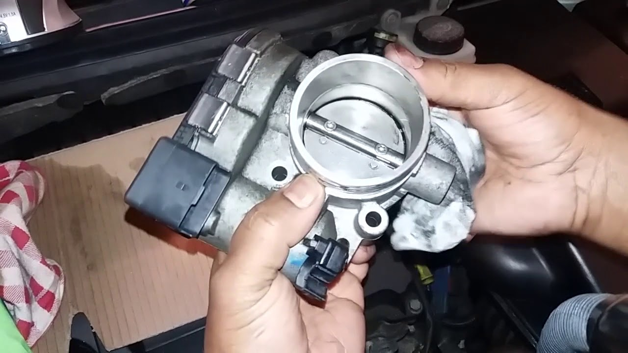 How to Clean an Electronic Throttle Body Safely on Peugeot 307