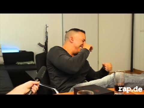 Farid Bang Lachflash bei Rap.de Interview!