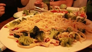 Christmas Special 2014 Chicken Fettuccine Alfredo W/ Sun-dried Tomatoes And Broccoli