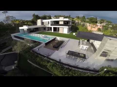 Homes for sale in Beverly Hills - 9945 Beverly Grove - Santiago Arana | The Agency