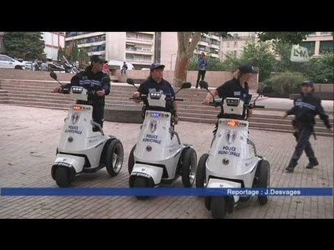 La police municipale... en tricycle! (Marseille)