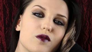 Quick Gothic Make up (Sophisticated & Vampy)