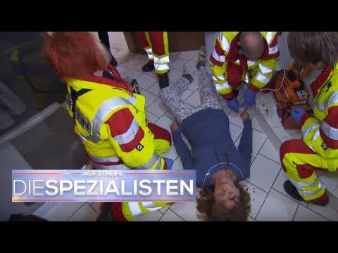Oma ausgetrocknet auf dem Boden: Wo ist die Pflegekraft? | Auf Streife - Die Spezialisten | SAT.1 TV