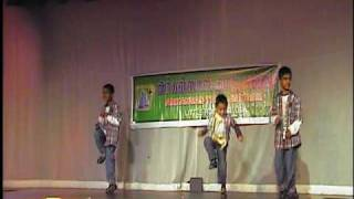 Jaydeep-Hemanth-Sreevatsav-2010-Pongal-Dance.mpg