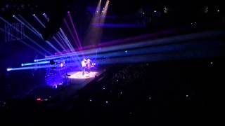 Hozier and Karen Cowley - In A Week live in Auckland (Full)