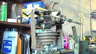 Ремонт сверлильного станка  Ч-1  Съем пятиременного шкива домкратом с электродвигателя(, 2016-04-30T19:46:47.000Z)