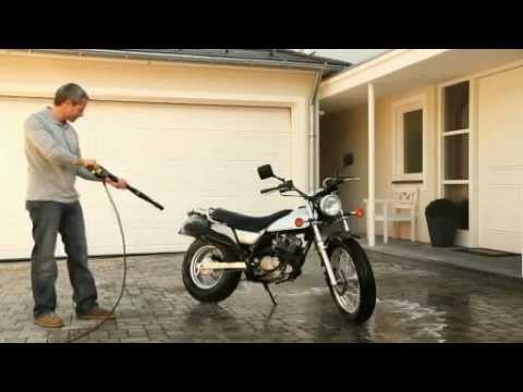 Curatarea motocicletelor cu turbojetul Karcher K2 Home