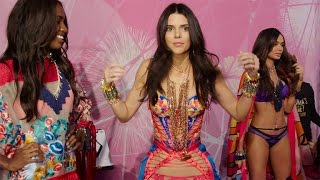 Victoria's Secret Fashion Show: See Kendall Jenner 'Freaking Out' Before Going on Stage ケンダルジェンナー 検索動画 10