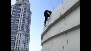 Guy Risks Death by climbing buildings in Dubai