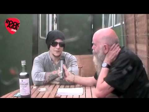 Synyster Gates Interview @ Download 2011
