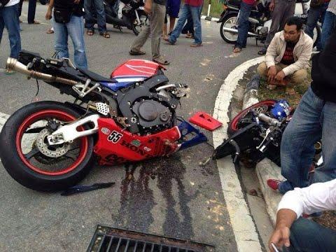 horrible accident motorcycle bike crash youtube. Black Bedroom Furniture Sets. Home Design Ideas