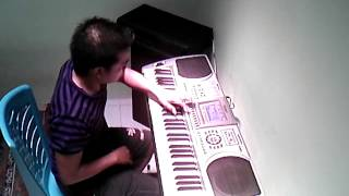 Sampling keyboard Techno T9800i