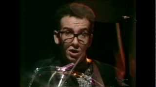 Elvis Costello - Olivers Army 1979 Top of The Pops